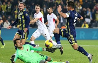 Fenerbahçe, Gerçlerbirliği'ne karşı 5-2 ile kendine geldi