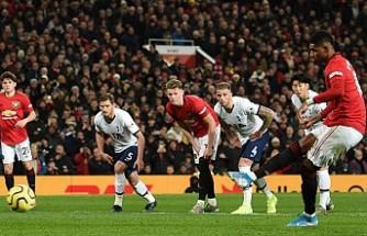 Mourinho ilk yenilgisini eski takımı Manchester United'dan aldı