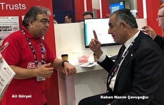 Bakan Çavuşoğlu, Londra Eğitim Fuarında Bromcom'u Ziyaret Etti