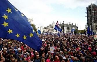 Londra'ya, tehditle AB ticaret müzakerelerini hızlandırma suçlaması