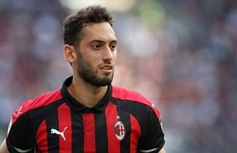 Milan, Hakan Çalhanoğlu'nu göndermek istiyor