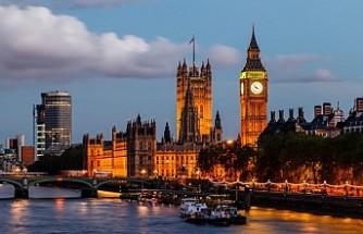 İngiltere puan tabanlı göç sistemine geçiyor