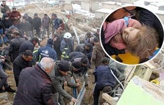 Van Başkale'de Deprem 9 Ölü