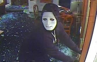 İngiltere'de Hastaneden Maske Çalan Hırsız Hapse Mahkum Oldu