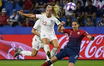 İngiltere'de kadın futbol ligleri koronavirüs nedeniyle sonlandırıldı