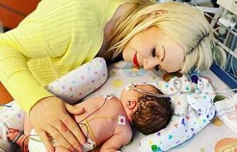 Hamile Olduğundan Habersiz 7 Km Koştu, Evde Doğum yaptı