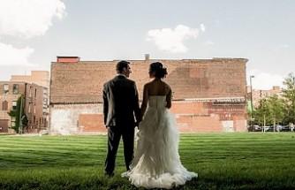 Danimarka'da düğünlere sınırlama kondu