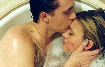 Sevgilisiyle ilişkilerinin yıldönümünü kutladı