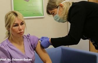 Ünlü Profesör Yaptırdığı Kovid-19 Aşısı İçin Konuştu