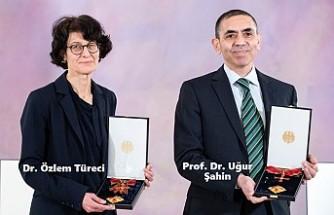 Prof. Dr. Uğur Şahin Ve Dr. Özlem Türeci'ye Almanya'dan Liyakat Nişanı