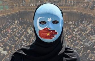 """İngiliz Parlamentosu, Uygur Türklerine Baskıyı """"Soykırım"""" Olarak Tanıdı"""