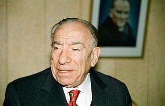 Alparslan Türkeş Vefat Yıldönümünde Anılıyor