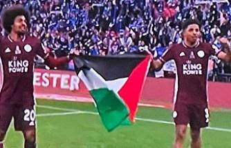Leicester City Oyuncuları Final Maçı Sonrası Filistin Bayrağı Açtı