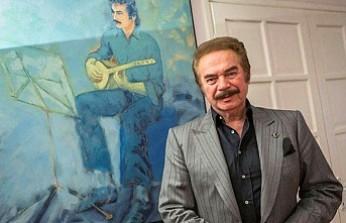 Ünlü Sanatçı Orhan Gencebay, hastaneye kaldırıldı