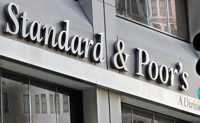 S&P, borç batağındaki Kıbrıs Rum Kesimi'nin notunu yükseltti