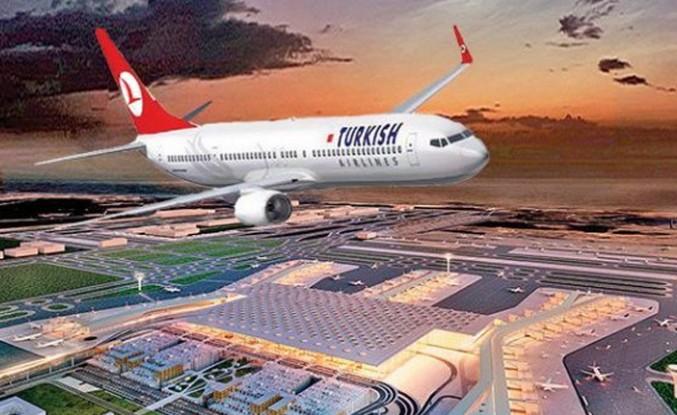 Türk Hava Yollarının ilk yolcu uçağı yeni havalimanına indi