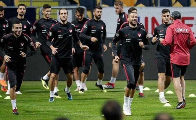 A Milli Futbol Takımı'nda Ukrayna mesaisi başladı