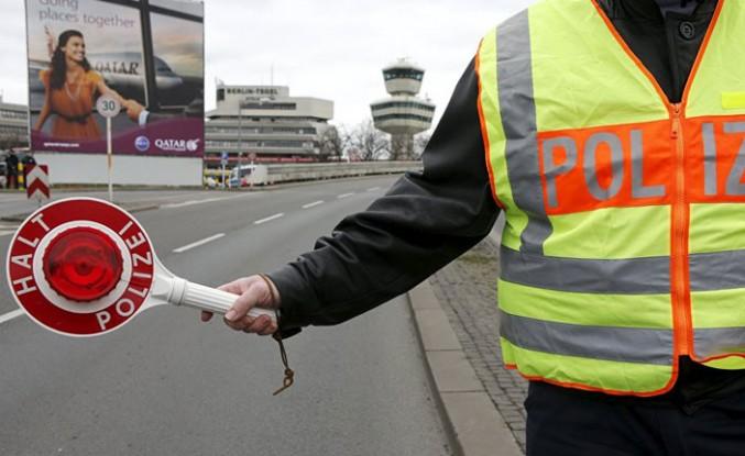 Yeni aldığı ehliyetini 49 dakika sonra polise kaptırdı