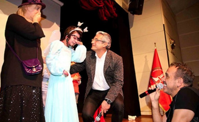 Haluk Levent ile Kelebek Kız Elfida'nın buluşması herkesi ağlattı