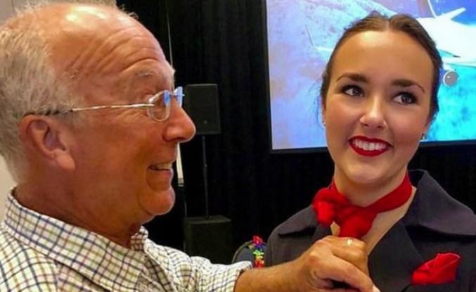 Noel tatilinde hostes kızını yalnız bırakmamak için tüm uçuşlara bilet aldı