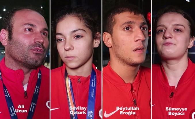 Paralimpik sporcular Londra'da madalyaya kulaç atıyor