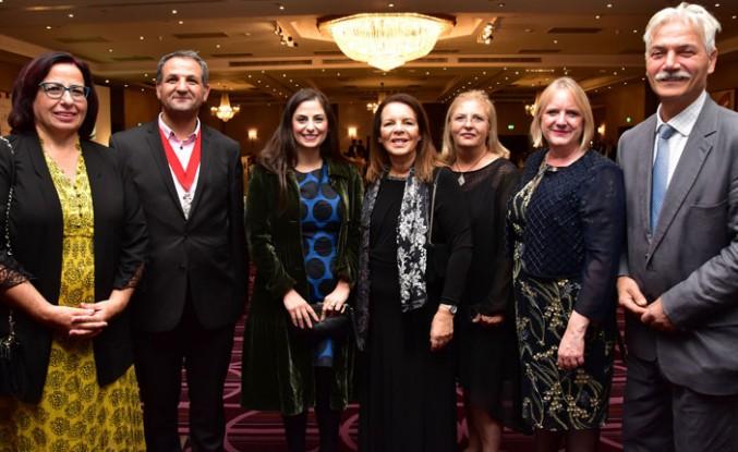 İngiltere'deki Başarılı Kıbrıslı Türklere Ödül