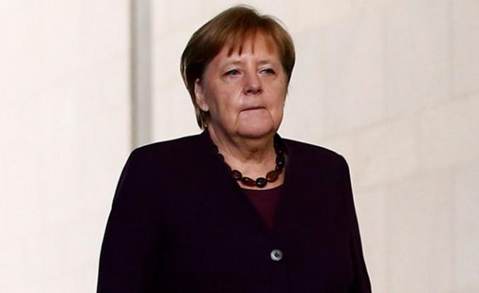 Irkçı Saldırıya Merkel'den İtiraf Gibi Kınama