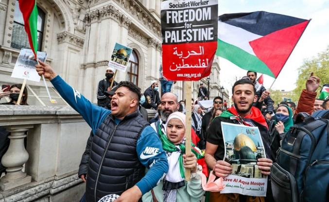 İsrail'in Mescid-i Aksa Saldırıları Londra'da Protesto Edildi