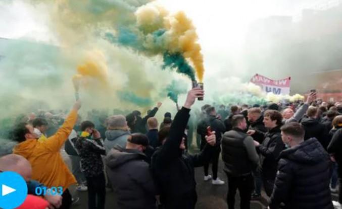 Manchester United-Liverpool Maçı Protesto Nedeniyle Yapılamadı