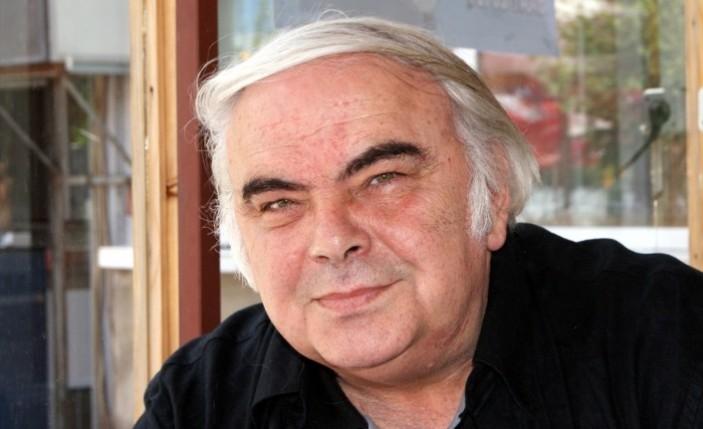 Ünlü tiyatrocu Enis Fosforoğlu vefat etti