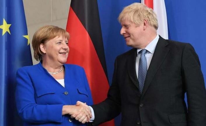 Merkel: Brexit'ten sonra müzakereler yoğun geçecek