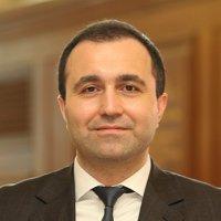 Dr. Turhan Özen